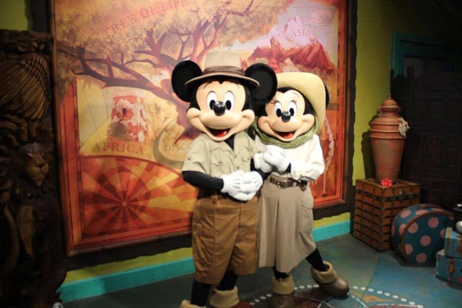 Meet Disney Pals at Adventurer's Outpost